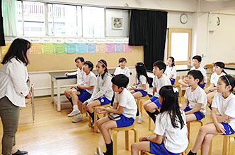 18人の少人数で英語を学びます